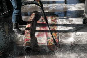 Teppichreinigung sorgfältig